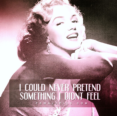 Marilyn Monroe Never Pretend Quote Facebook picture